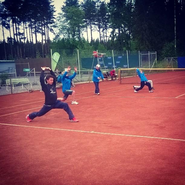 Aamutreenit ja viimeiset silaukset ennen kesän pääkisaa. #tennis #oulu #nääsville #junnuSM