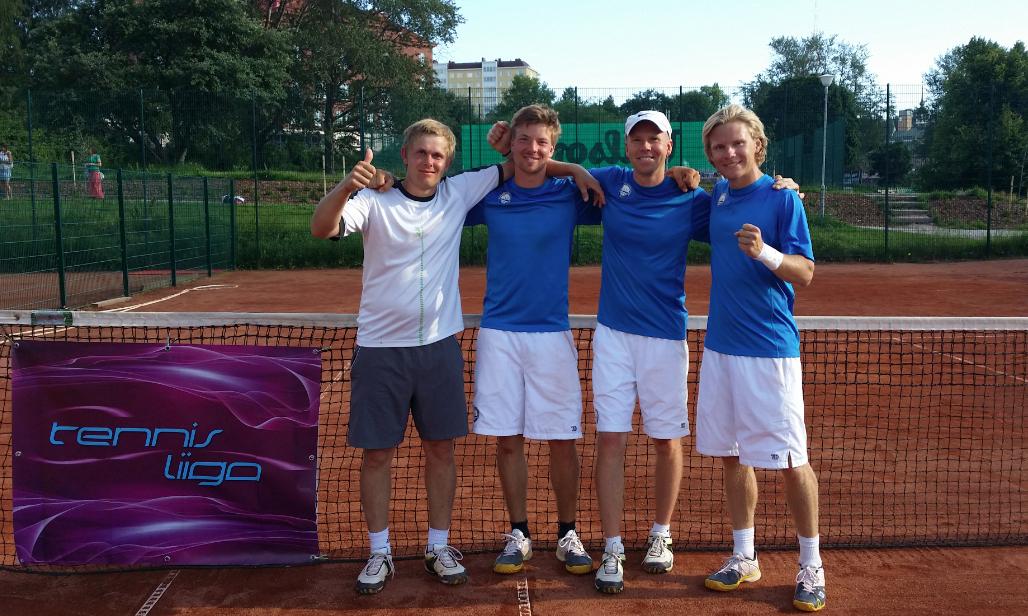 Miesten edustusjoukkue: Juuso, Joonas, Markku ja Tommi 2014